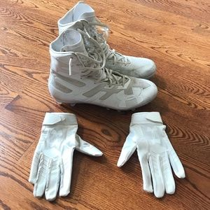 Under Armour Football Cleats Gloves 10 White Shoes